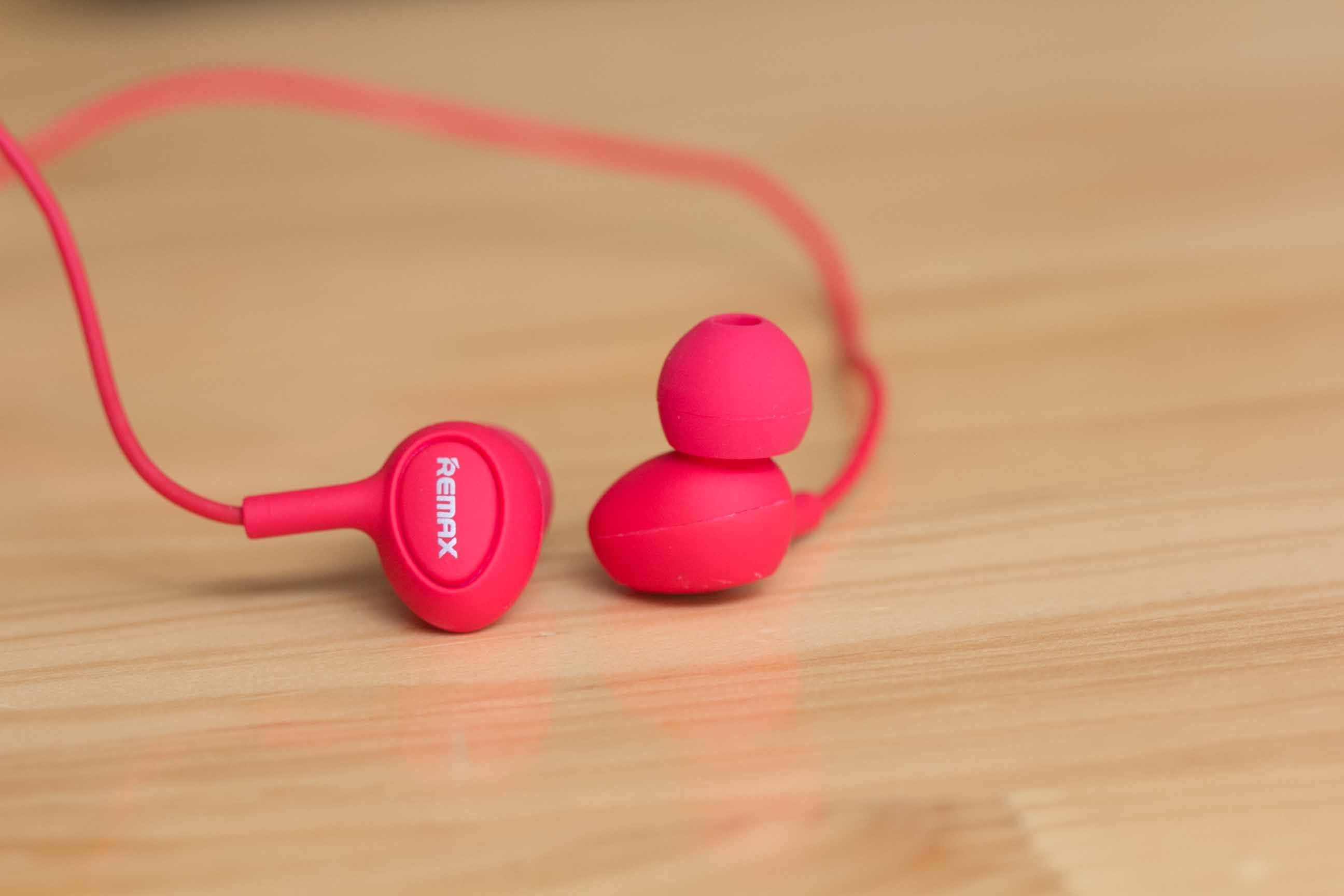 Get A Free REMAX Earphone 1